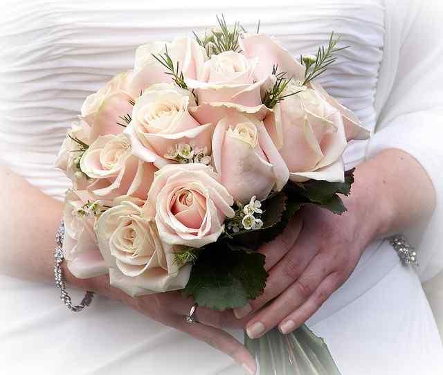 Простой свадебный букет своими руками 52