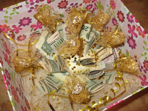 Как подарить подарок за золото 172