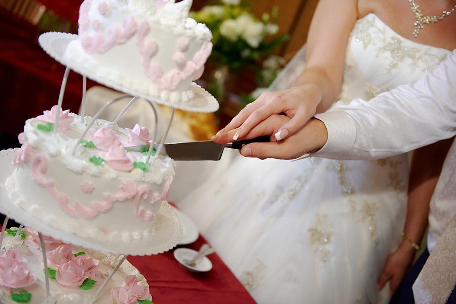 Как оригинально продать свадебный торт