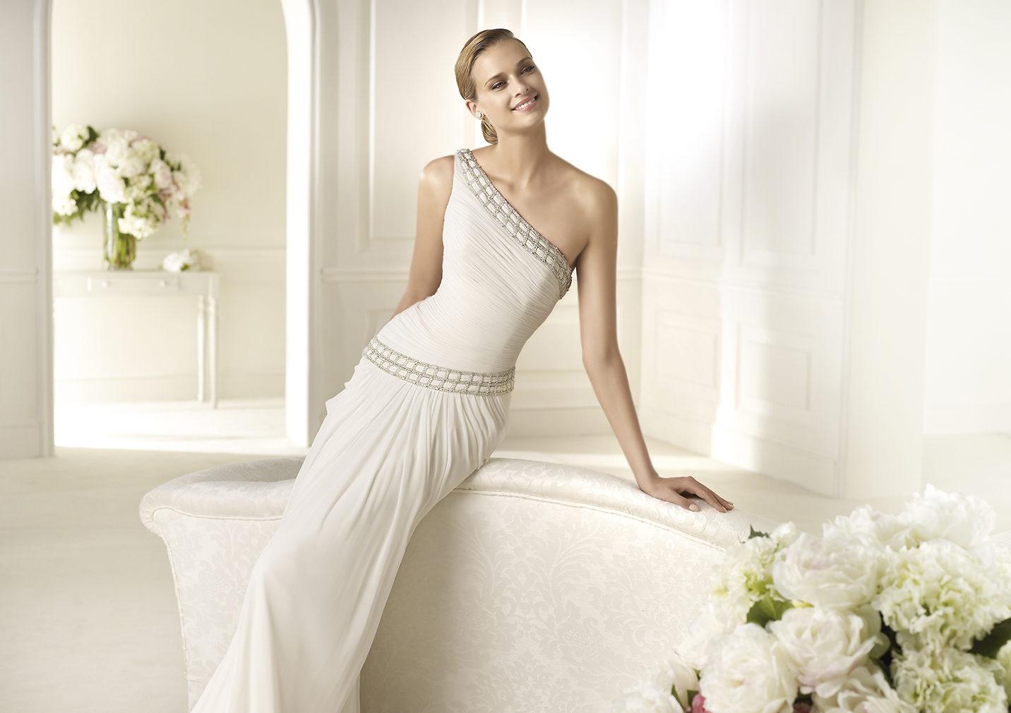 7c9489e5363 Выбирайте свадебные платья в греческом стиле — обзор лучших моделей ...