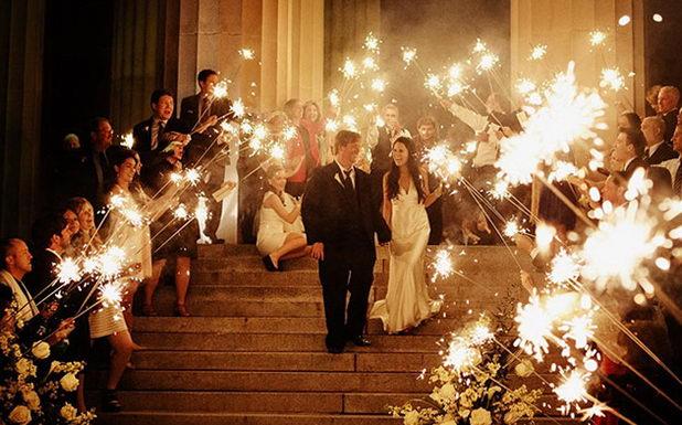 Идея с бенгальскими огнями на свадьбу