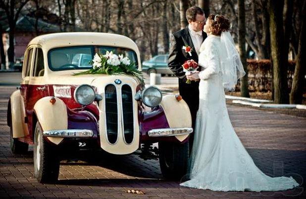 Какой выбрать транспорт на свадьбу?