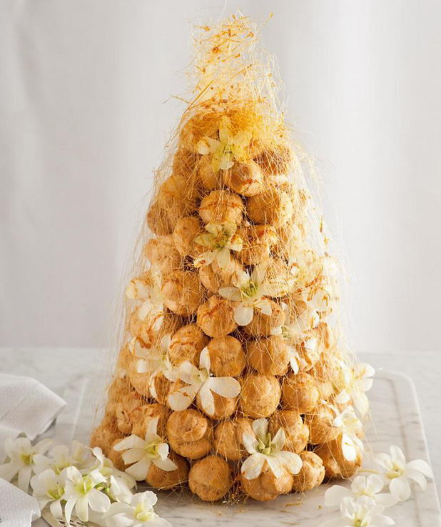 Крокамбуш - вид свадебного торта
