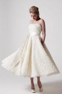 Нежное платье с розочками