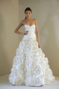 Модное платье с розами