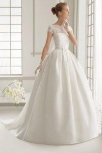 Платье тюльпан с кружевным верхом