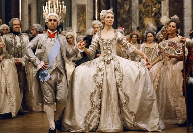 Средневековое свадебное платье