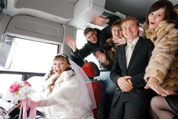 В микроавтобусе
