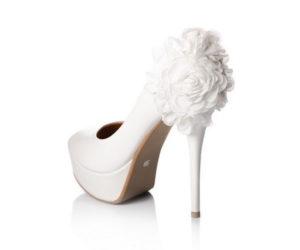 Красивые свадебные туфли для невесты