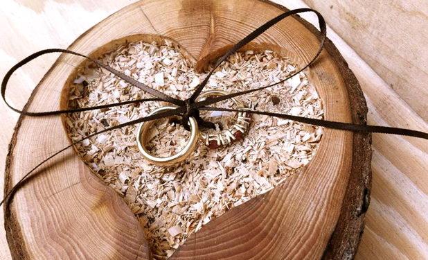 Что подарить на 5 лет свадьбы? Советы, рекомендации