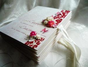 Изящные цветы на обложке