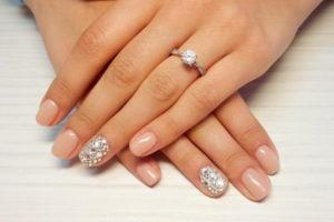 Красивые ногти невесты