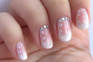 Ногти с бриллиантами