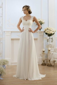 Бежевое свадебное платье ампир