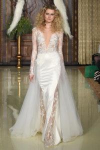 Платье на свадьбу с декольте
