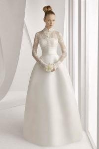 Закрытое свадебное платье с длинными рукавами